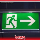 sinalização de emergência luminosa